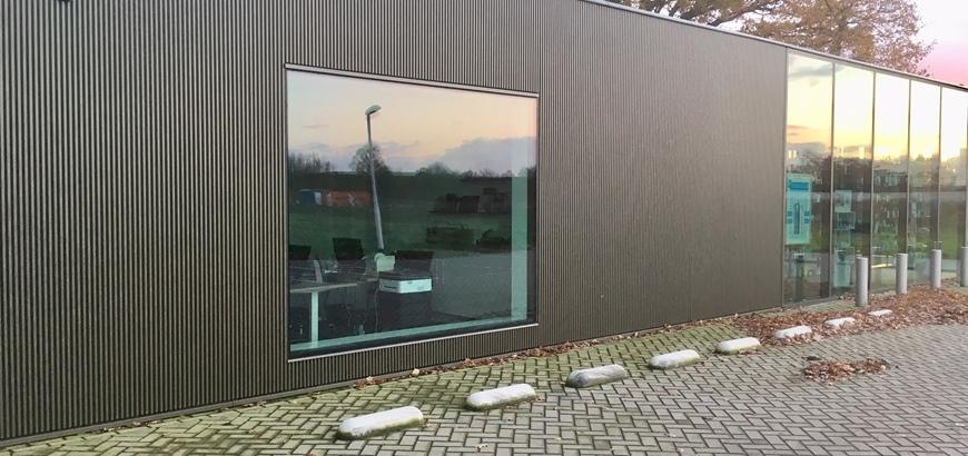 Storax CLOSE lamellenwand voor apotheek De Lange Stight  te Berkel-Enschot