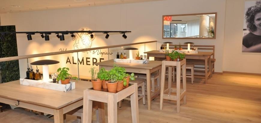 Storax levert glasbalustrade componenten  voor Vapiano te Almere