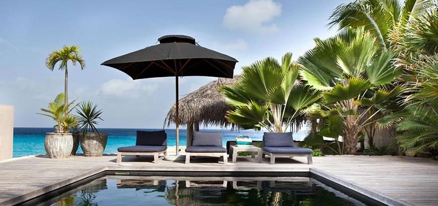 Storax vloerluiken voor villa's op Bonaire designed by Piet Boon