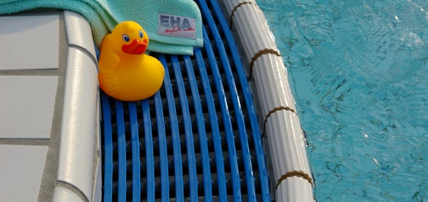 Storax levert en monteert de hoogwaardige EHA zwembadroosters tegen een zeer gunstige prijs