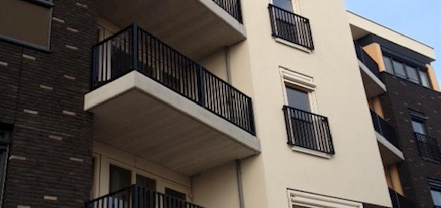"""Rhodium trap- en balkonhekken voor appartementencomplex """"Het Anker"""" in Assen."""